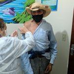 Guaraci inicia vacinação em idosos acima de 90 anos