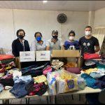 Colaboradores da empresa Jaguafrangos doam roupas para o município